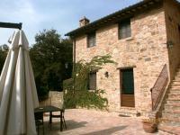 Cottage Il Girasole has a private terrace
