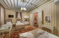 Deluxe One-Bedroom Suite (4 Adults)