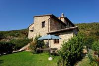 Il Raggio has a small, panoramic garden