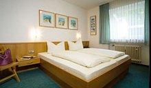 Kombinierter Wohn-/Schlafraum u. extra Schlafzimmer