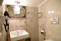 Oba Hotel Economy DBL Bathroom