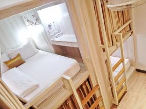 Bunk beds open only 2 from total 4 beds to keep distance between people