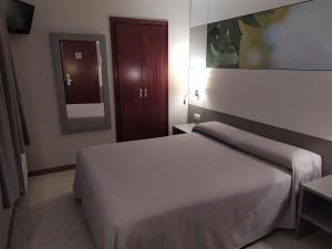 Baño habitación doble económica